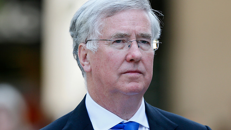 Foreign Office fears 'diplomatic row' over defence secretary's Falklands visit