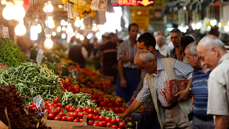 Russia suspects Azerbaijan of re-exporting banned Turkish tomatoes