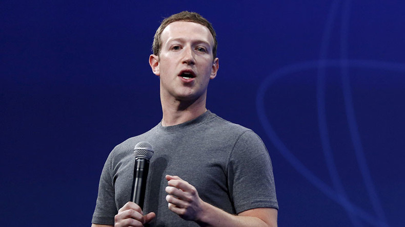 Zuckerberg backs Apple in FBI iPhone privacy battle