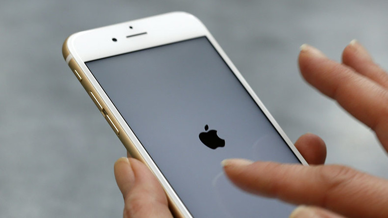 10 little iPhones: DoJ seeks to force Apple's hand