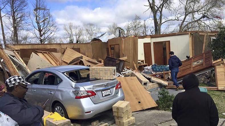 Tornado strikes Virginia town, kills 3, injures 8