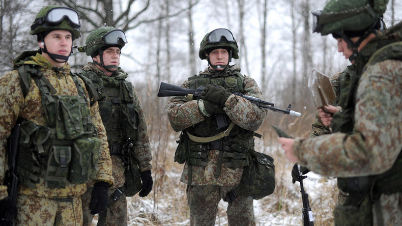 Russian military allows replacement of conscription with contract service