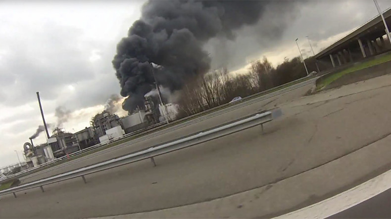 Huge explosion rocks waste treatment plant in Antwerp, Belgium (VIDEO PHOTOS)