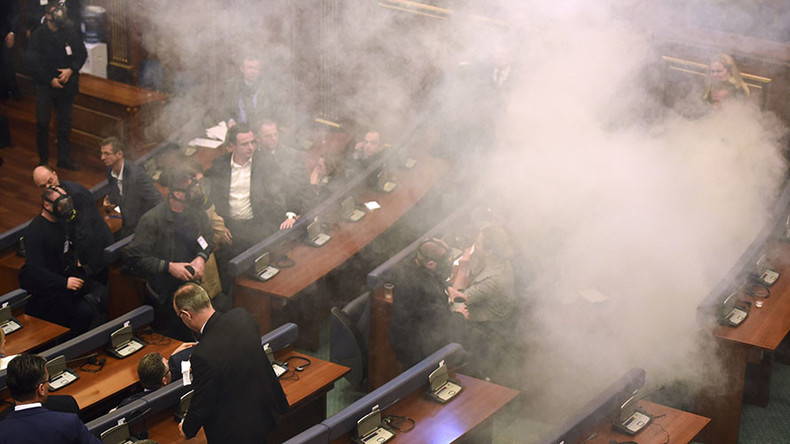 Kosovo MPs elect new president despite opposition's teargas, petrol bombs attacks (VIDEO)