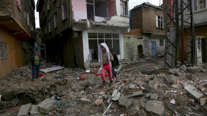 '7 blasts in 10 minutes' rock pro-Kurdish city Diyarbakır embattled by Turkish forces
