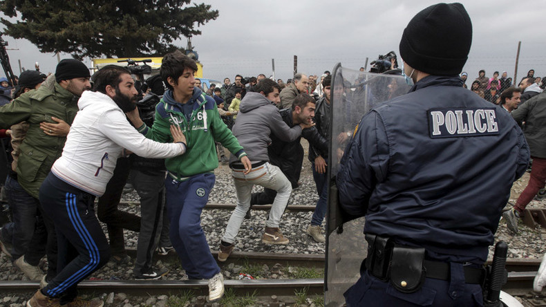 Refugees stuck at Greece-Macedonia border. What's the solution?