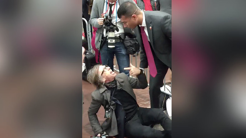 Secret Service agent chokes journalist at Trump rally (VIDEO)