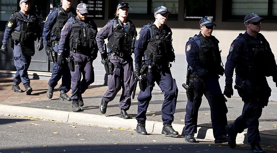 Sydney police evacuate schools in a 'precaution' operation