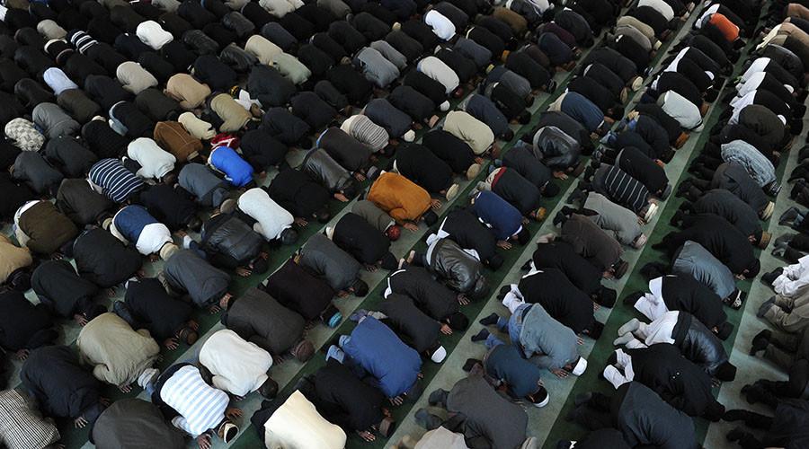 MI5 targets Muslim converts for recruitment, study finds