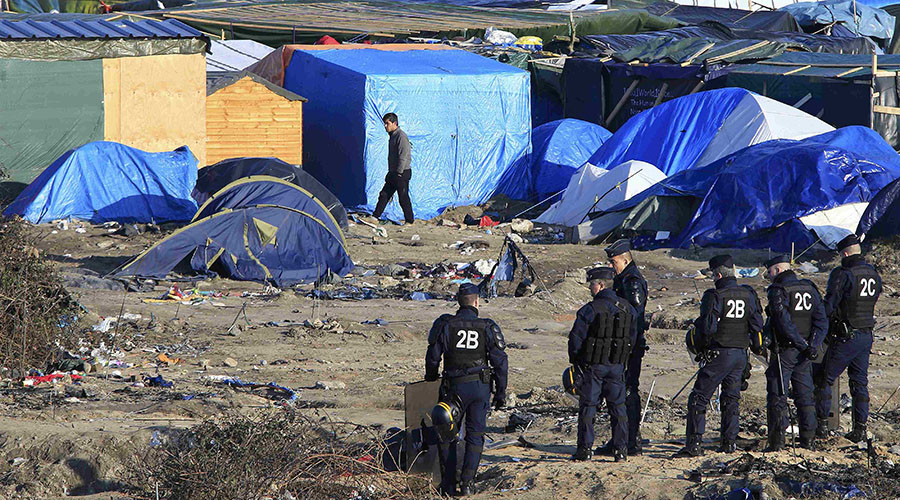 Shakespeare's Hamlet staged in Calais 'Jungle'