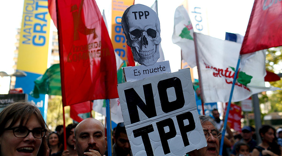 TPP signing sparks dozens of protests across US over biggest trade pact