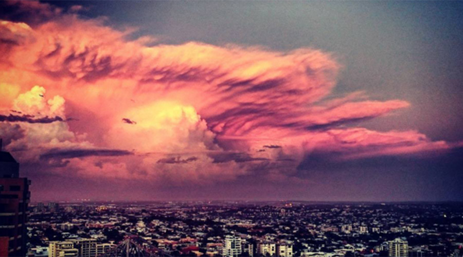 Cloud porn: Powerful thunderstorms in Oz drive shutterbugs wild (VIDEO)