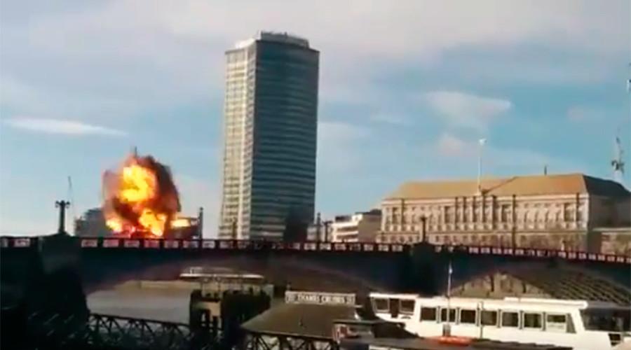 'Too realistic' bus explosion movie stunt terrifies Londoners (VIDEO)