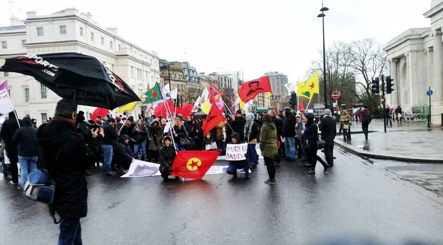 Kurds block Hyde Park Corner to protest Turkish airstrikes
