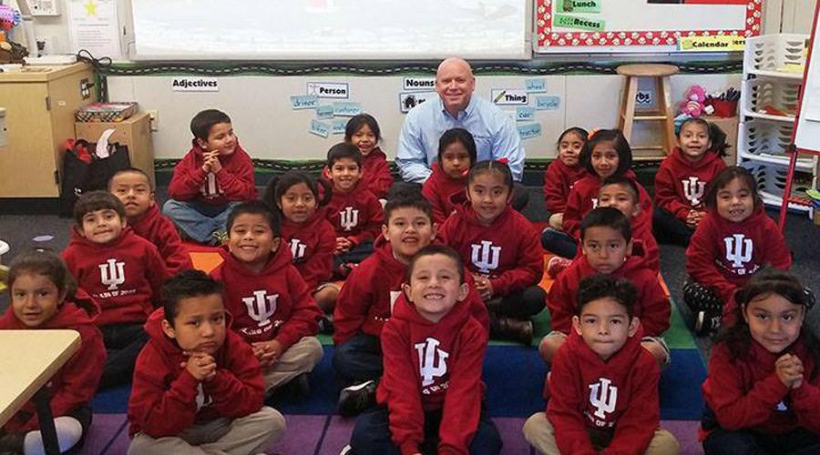 Kindergarten Hero: Navy veteran pledges $1mn towards college education of 26 kids