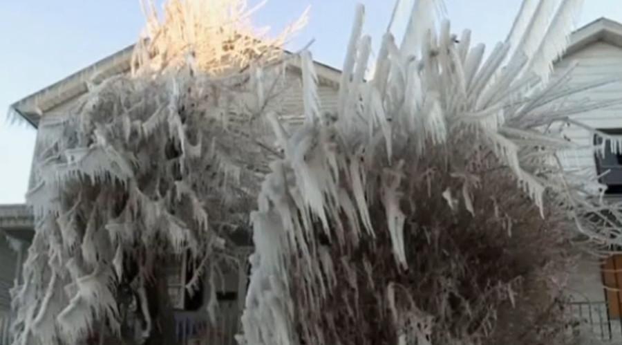 Water main break turns parts of Pennsylvanian city into winter wonderland