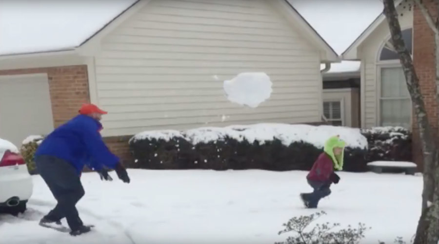 Epic dad #FAIL: Family snow games go horribly wrong (VIDEO)