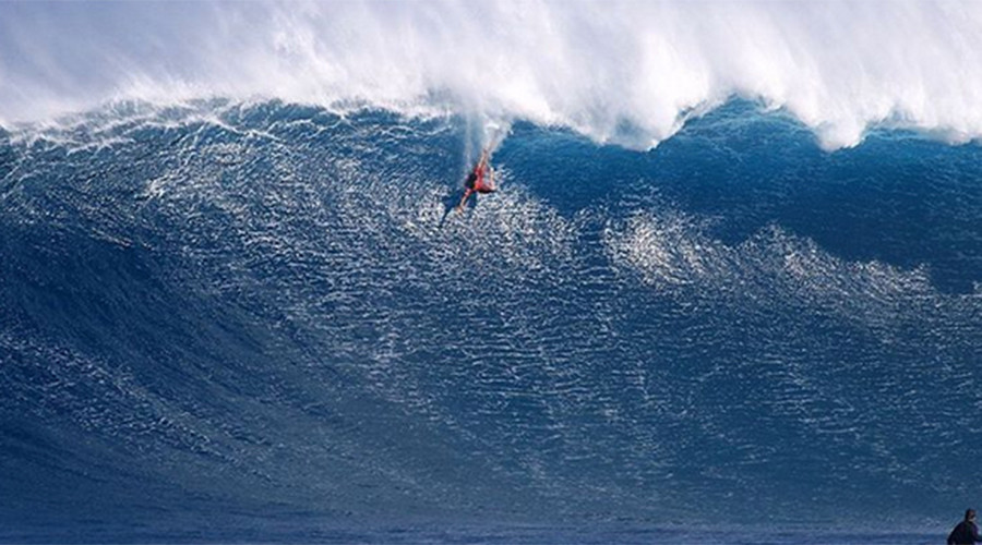 Surfer-turned-body-boarder takes dramatic fall off monster wave (VIDEO)