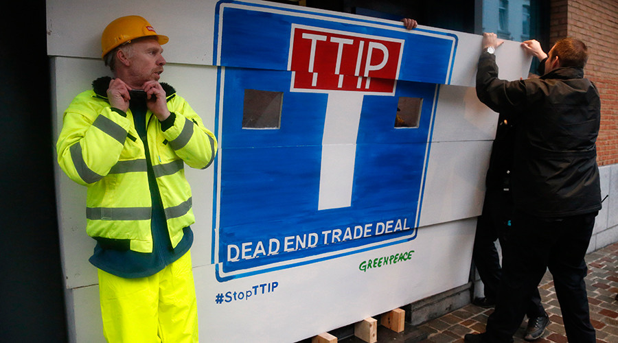 TTIP deal means 'irreversible privatization' of NHS – legal experts