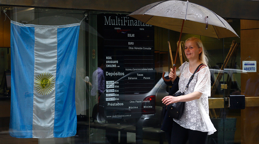 Argentina settles dispute with five bondholders