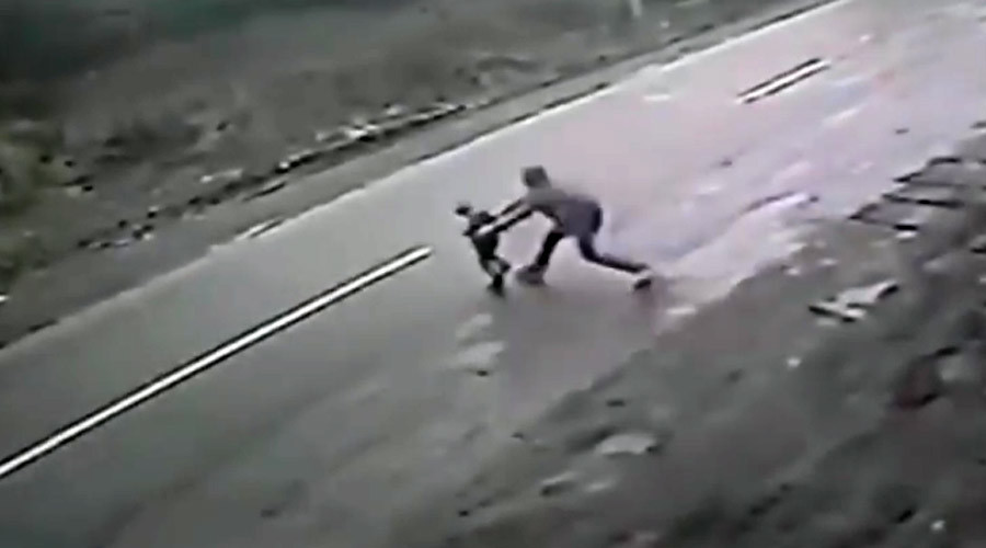 Man miraculously saves toddler from fatal car crash (VIDEO)