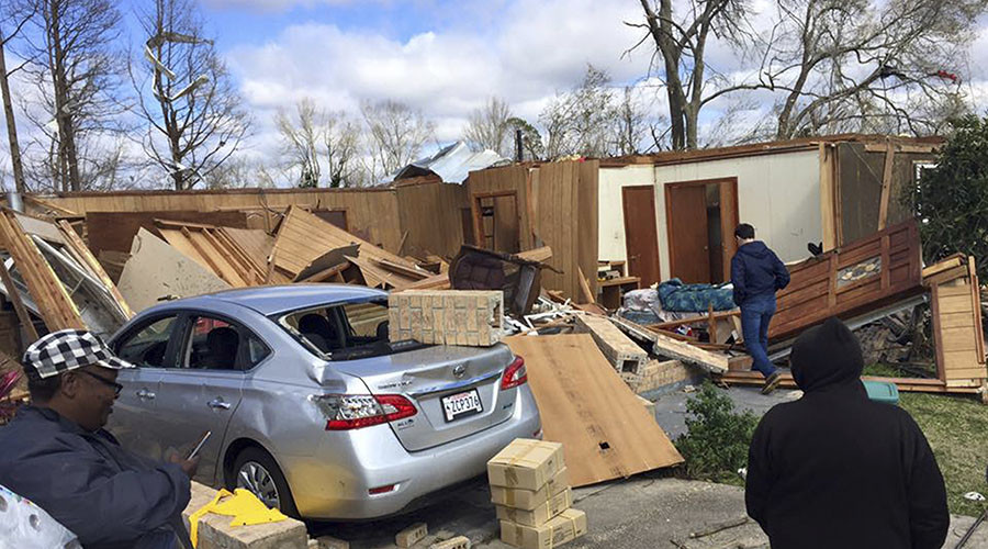 Tornado strikes Virginia town, kills 3, injures 8