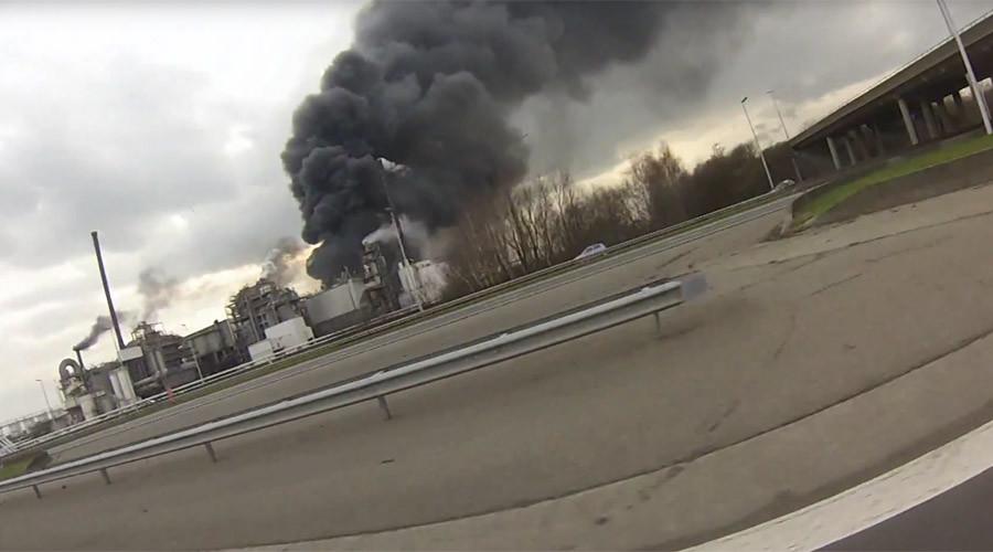 Huge explosion rocks waste treatment plant in Antwerp, Belgium (VIDEO PHOTOS)
