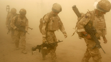 British soldiers from B Company, 2 Mercian, set off on an operation in Malgir, Helmand province July 27, 2009. © Omar Sobhani