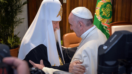 Russian Orthodox Patriarch, Pope hold historic meeting, sign call to end persecution of Christians