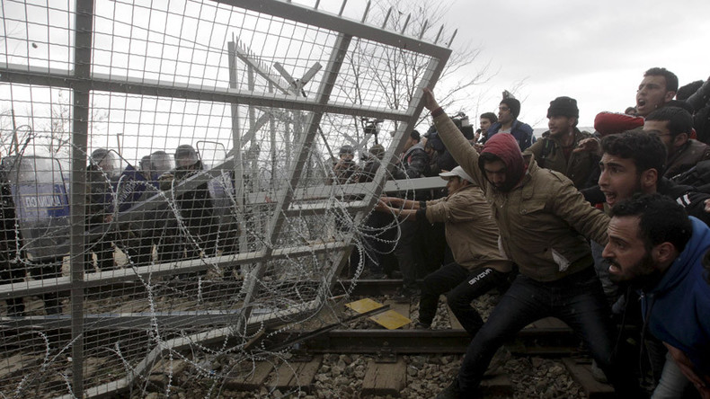 Macedonia eyes shutting off Balkan route if Austria hits refugee limit