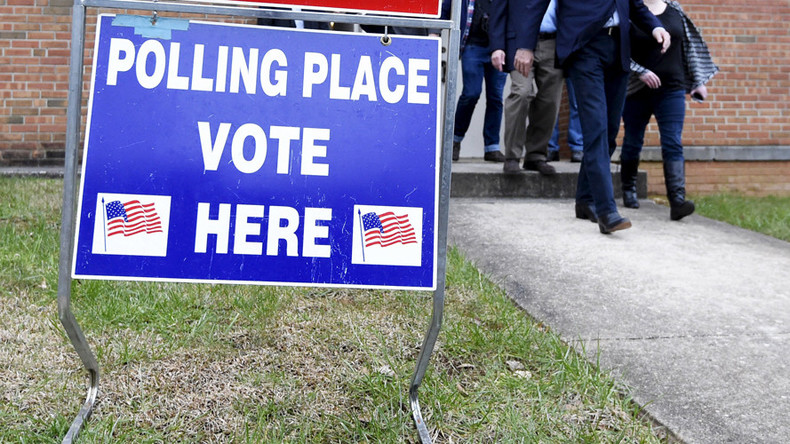 US vote: Fight over 'clean money' vs. 'dirty money'
