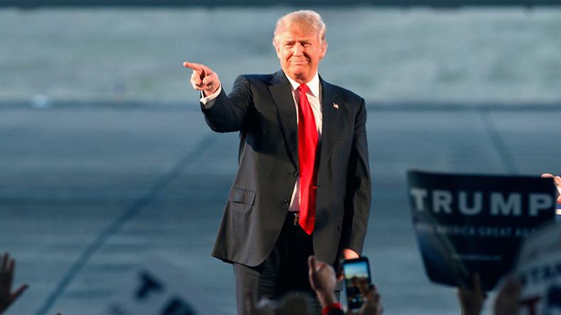 Trump strikes back at Romney, GOP establishment in 10 quotes