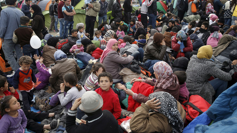 Czech president proposes Greece host migrant centers to settle debt problems