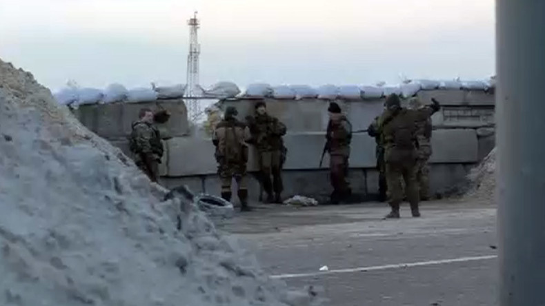 Russian journalists, including Ruptly stringer, come under shelling in eastern Ukraine