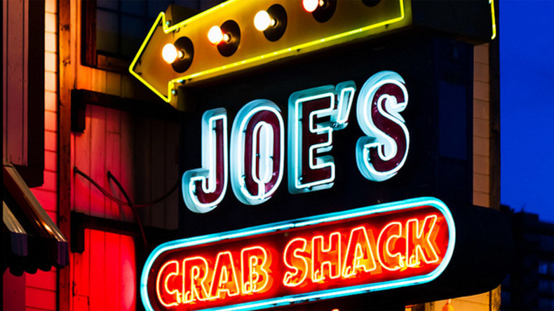 Joe's Crab Shack apologizes for lynching photo in restaurant decor