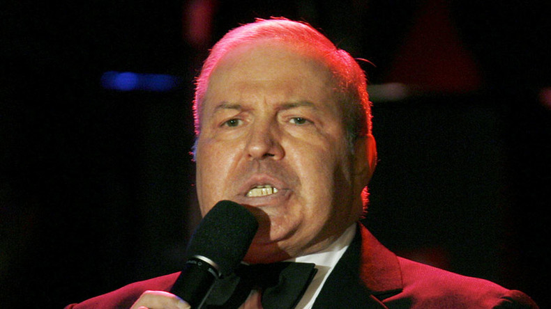 Frank Sinatra Jr, 72, dies suddenly on tour