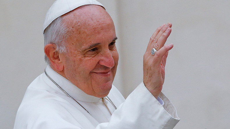 Instagod: Thousands rush to see Pope Francis' 1st post on popular social site