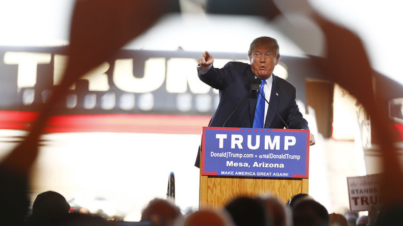 Trump defiantly speaks after protest blockade delays Arizona rally