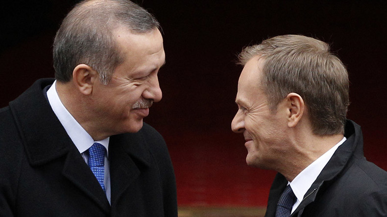 Turkey/EU deal: Erdogan has fawning Eurocrats wrapped around his finger