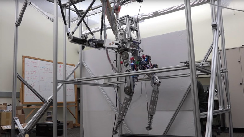 Run robot run! And it does just like a human (VIDEO)