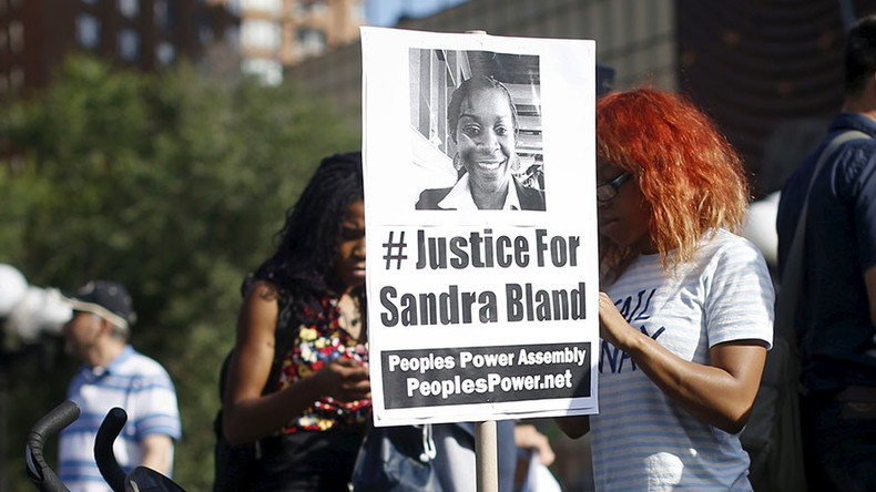 Sandra Bland's arresting officer pleads not guilty to misdemeanor perjury charge