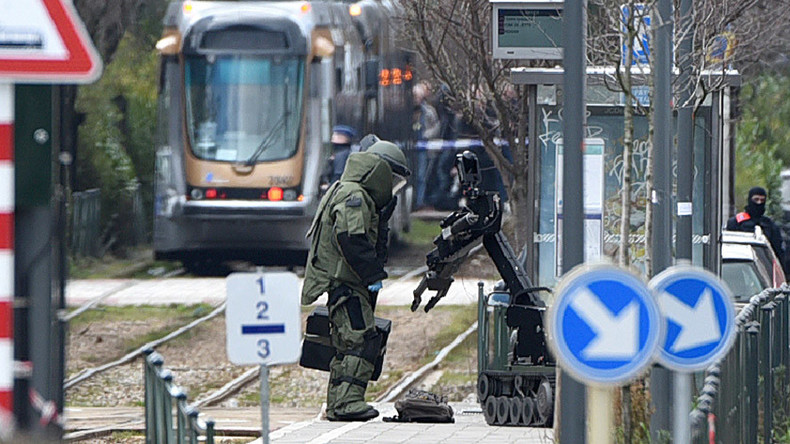 Videos of police detaining terror suspect in Brussels raid