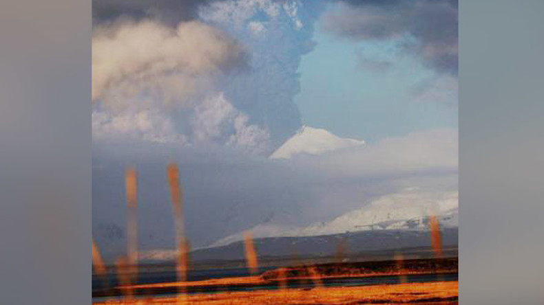 'Red warning': Alaska volcano erupts, spews ash 20,000ft high (PHOTOS)