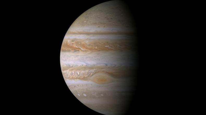 Asteroid smashing into Jupiter filmed by amateur astronomers (VIDEO)