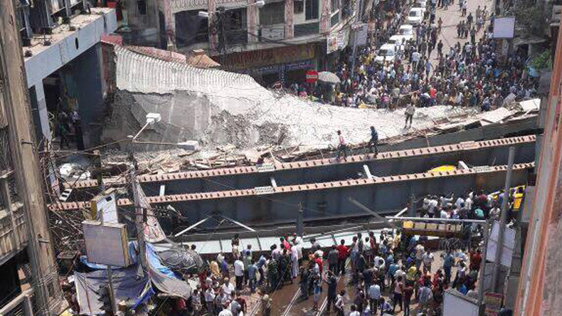 17 killed as under-construction bridge collapses in Kolkata, India (VIDEOS, PHOTOS)