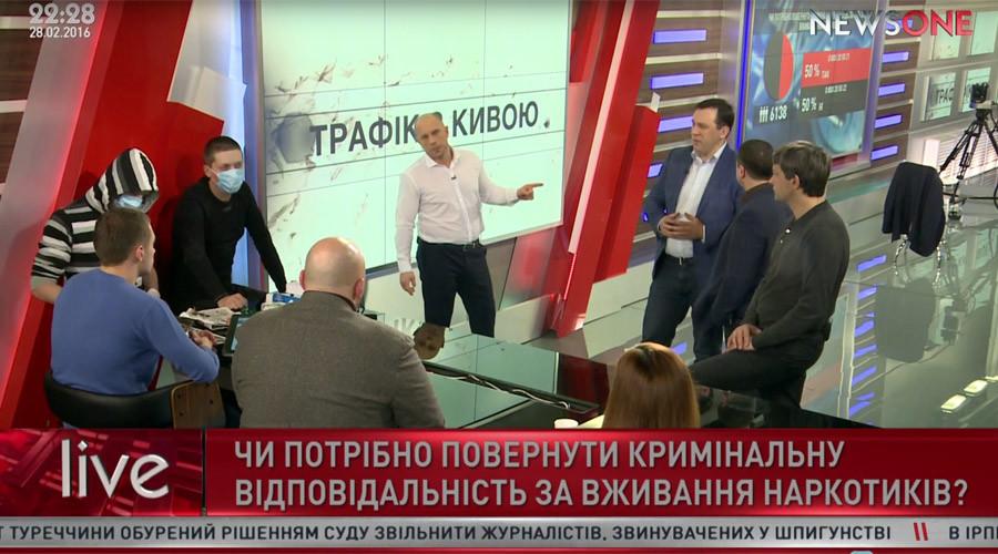 Ukraine's top narcotics cop makes 'junkies' cook drugs live on TV