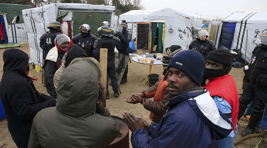 Calais migrants free to enter UK if Britain leaves EU – French official