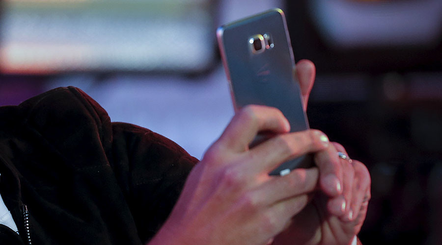 Selfies kill: Man fatally shoots himself during photo-op