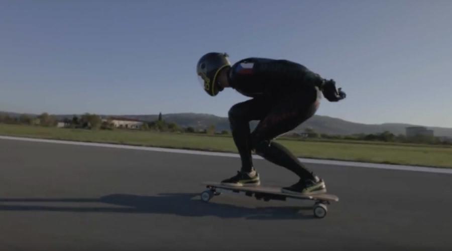 Jet skater: Daredevil sets longboard land speed record, then crashes (VIDEO)