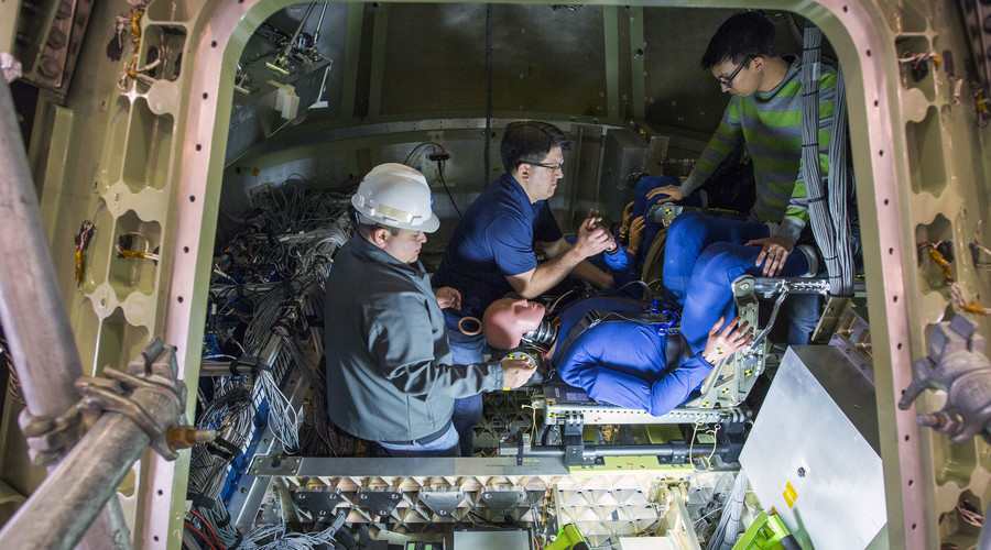 Dummies test rapid 'splashdown' landings for NASA's Mars missions (PHOTO, VIDEO)